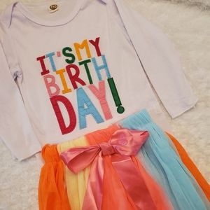 """Other - 🎁It's my birthday"""" outfit w/ long sleeves!🎁"""